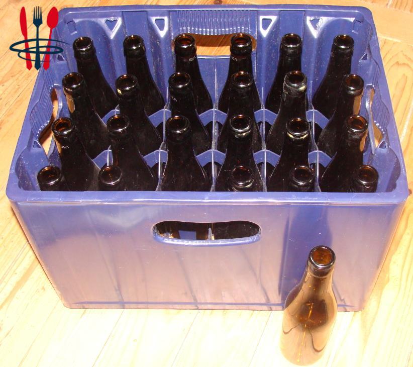 250 caisses de bière, plastique bleu foncé 24x33cl