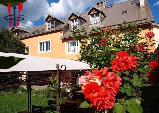Hotel et restaurant + appartement fonction