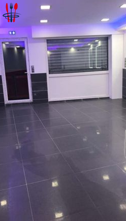 Commerce 150 m²
