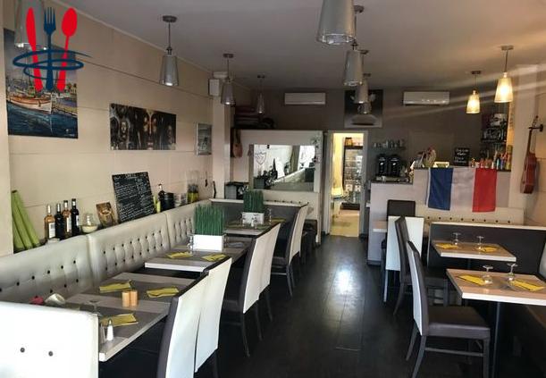 Restaurant/brasserie la rode gde terrasse à voir