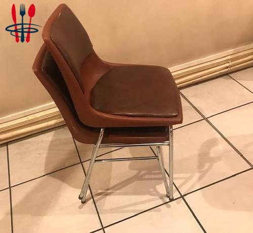 40 chaises