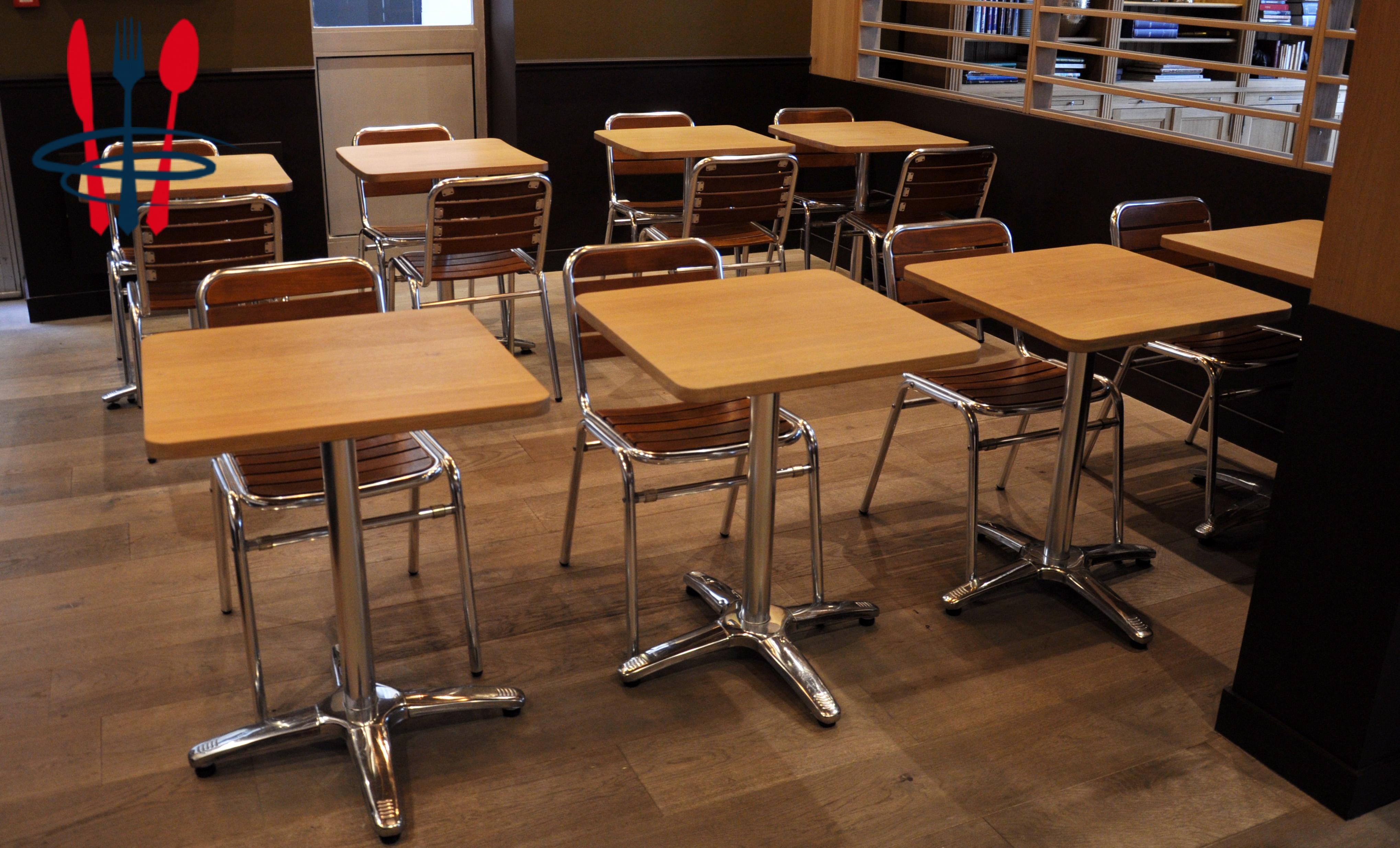 Tables et chaises bois massif et inox