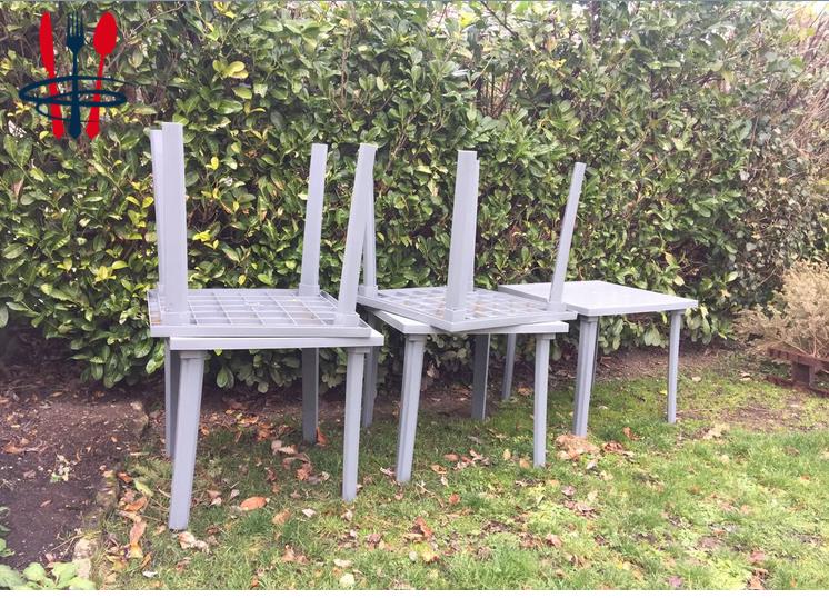 5 tables et 1 chaises de terrasse