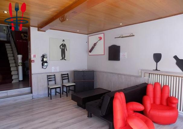 Local hôtel, restaurant, bar 680 m²