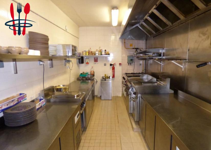 Local restaurant 80 m²