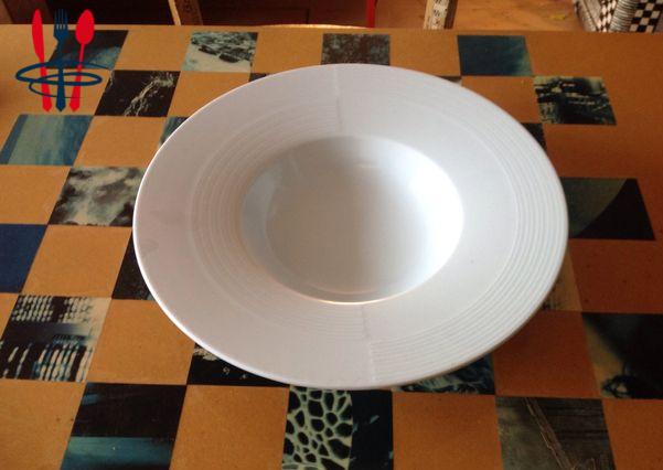 Assiette creuse blanche type assiette à risotto