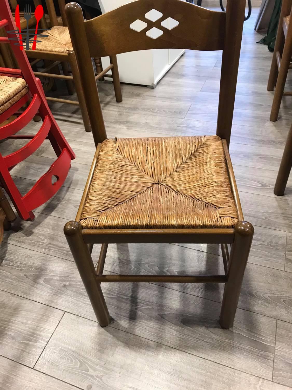 A vendre Lot de 50 chaises paille & bois